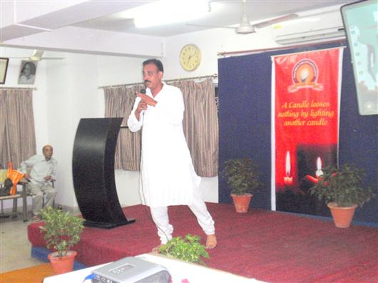 TAKING SEMINARS IN VARIOUS CITIES